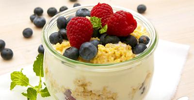 Fruchtjoghurt-Hirse-Becher_400