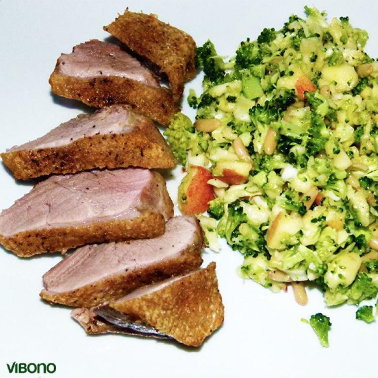 Entenbrust mit Brokkolisalat