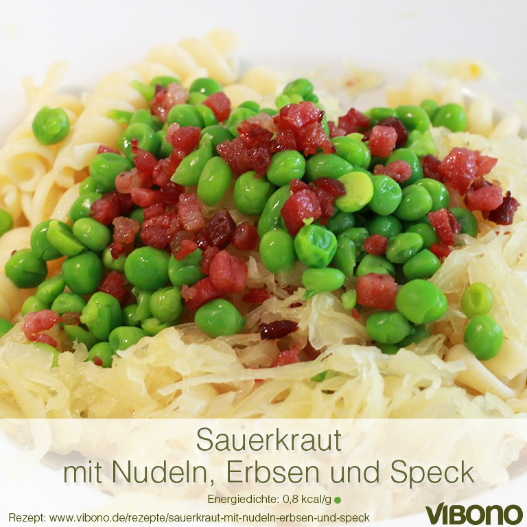 Sauerkraut mit Nudeln, Erbsen und Speck