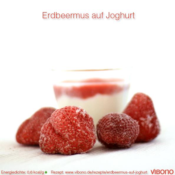 Erdbeermus auf Joghurt