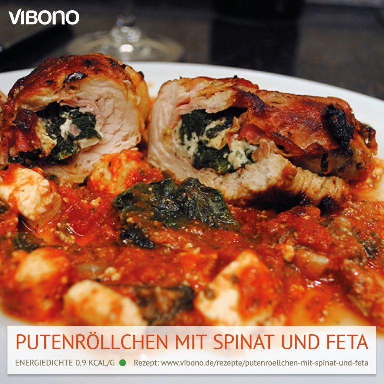 Putenröllchen mit Spinat und Feta in Tomatensoße