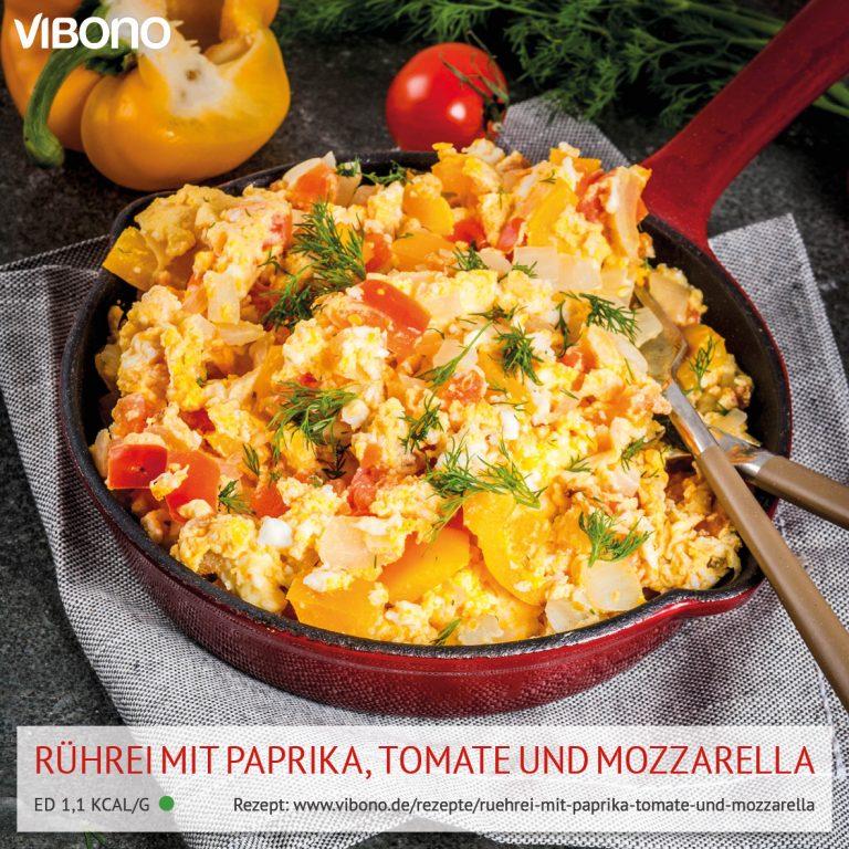 Rührei mit Paprika, Tomate und Mozzarella