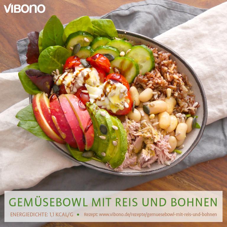 Gemüsebowl mit Reis und Bohnen