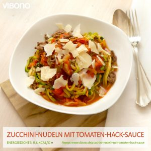 Zucchini-Nudeln mit Tomaten-Hack-Sauce