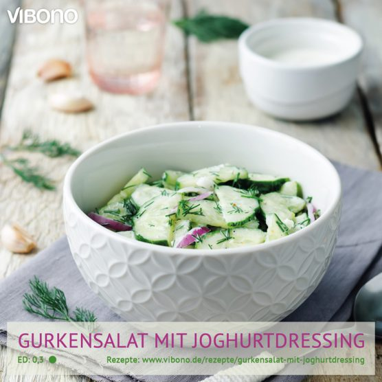 Gurkensalat mit Joghurtdressing
