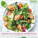 Großer Salatteller mit Putenstreifen