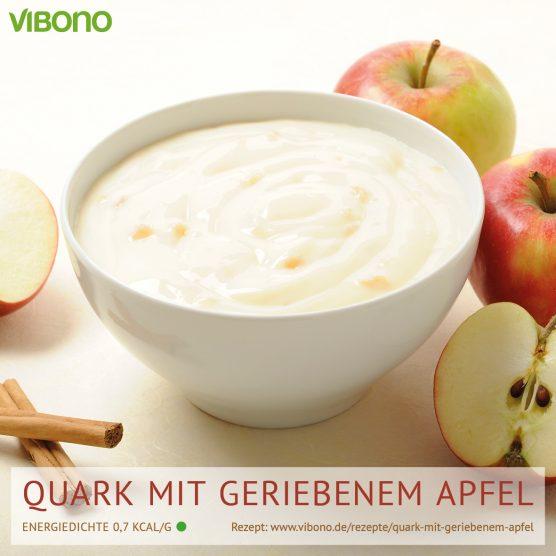 Quark mit geriebenem Apfel