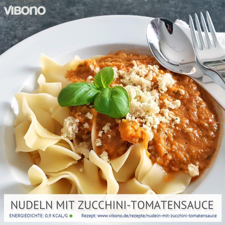 Nudeln mit Zucchini-Tomatensauce