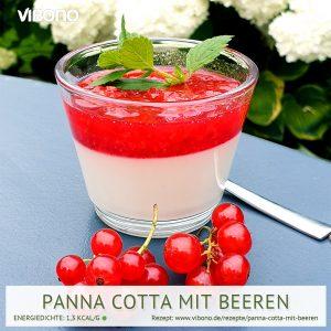 Panna Cotta mit Beeren